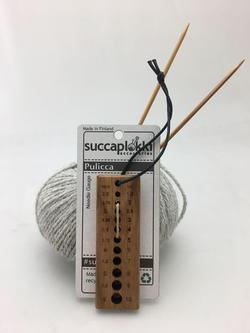 Succaplokki needle gauge wood